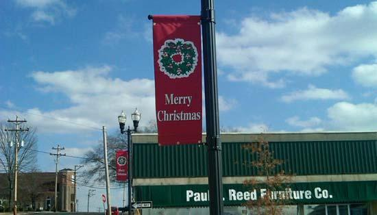Lions Club Decorates Square For Cannon Country Christmas