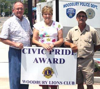 Lions Present Civic Pride Award To Courthouse