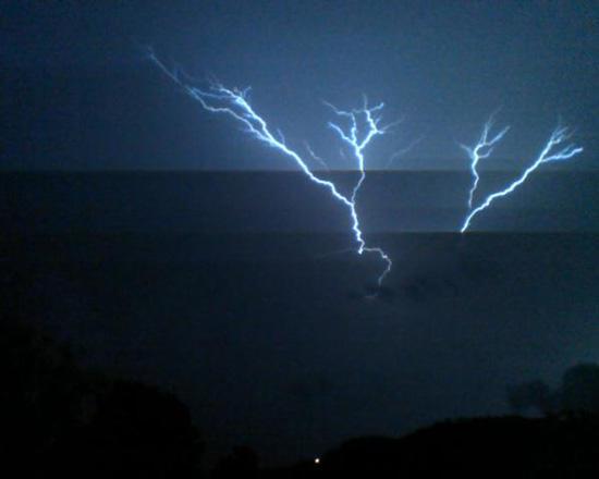 Lightning Lights Up Woodbury