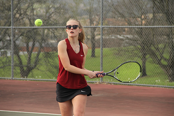 Tennis teams get ready for tourney time